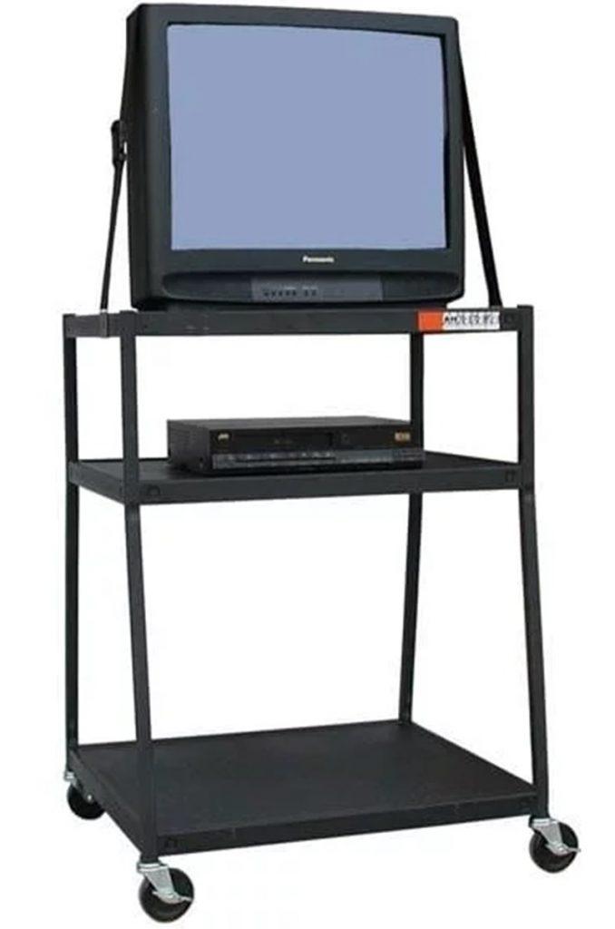Televisão e videocassete das escolas dos anos 90
